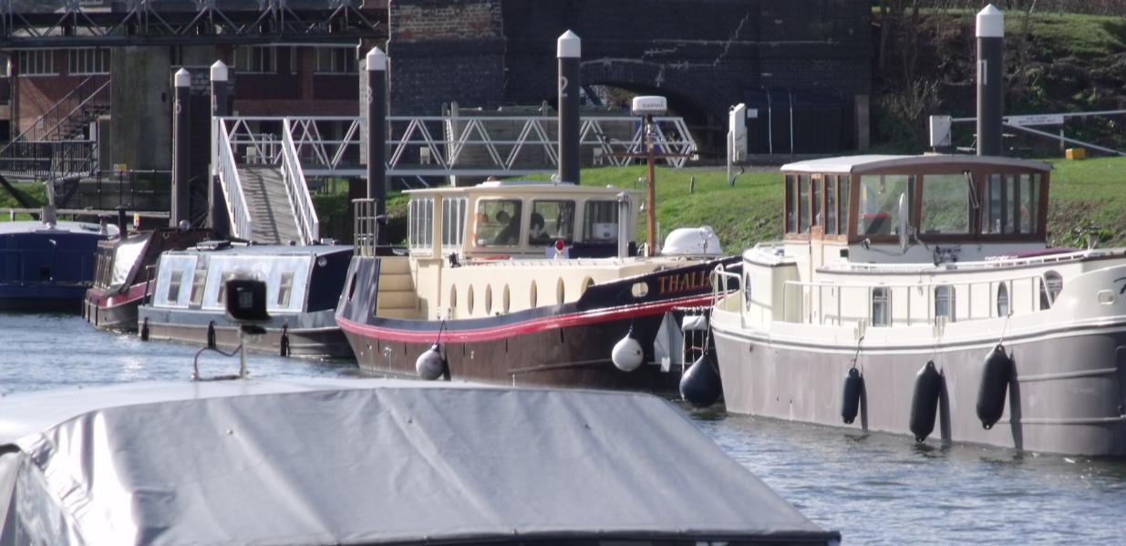 liveaboard dutch barge
